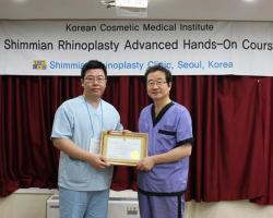 林敬鈞醫師完成鄭東學教授進階隆鼻課程認證